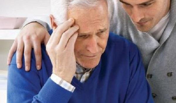 Alzheimer: Τι αισθάνεται ένας άνθρωπος που αρχίζει να χάνει τη μνήμη του;