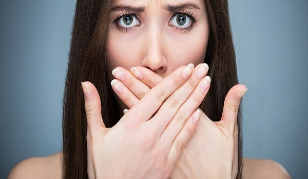 Οι πέντε συμβουλές για την κακή αναπνοή