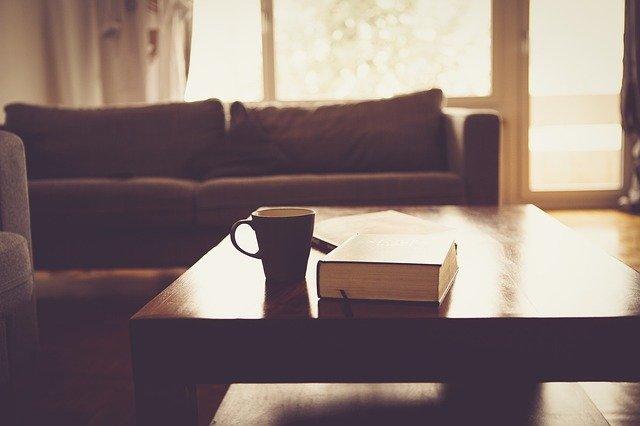 Γυάλισε τα παλιά έπιπλα του σπιτιού σου με 3 υλικά