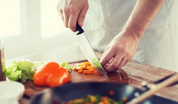 Τι πρέπει να προσέξετε με το φαγητό που μαγειρέψατε για να μην γίνει επικίνδυνο
