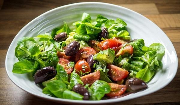 Καρδιά: Πέντε καλοκαιρινά τρόφιμα που της κάνουν καλό