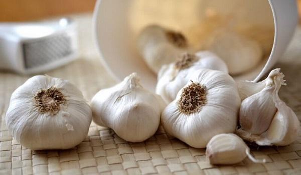 Γιατί το σκόρδο αποτελεί μία πανίσχυρη «ασπίδα» για τον οργανισμό μας