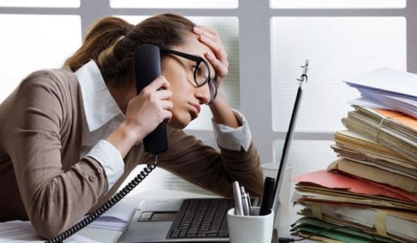 Ψυχική υγεία: Πόσες ώρες πρέπει να δουλεύουμε την εβδομάδα