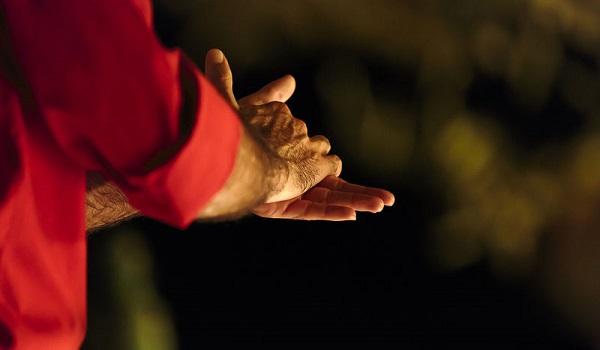 Ιδρώνουν τα χέρια σου όταν αγχώνεσαι; Υπάρχει επιστημονική εξήγηση!
