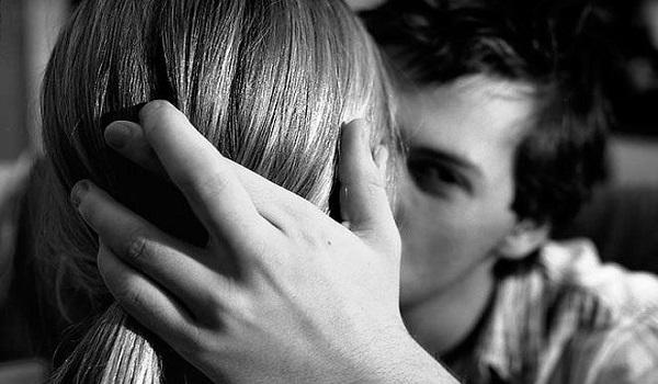 σημάδια ότι η πρώην σου βγαίνει με κάποιον άλλο. Γράφοντας τα τέλεια παραδείγματα online προφίλ γνωριμιών