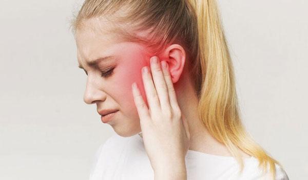 Πόνος στο αυτί: Δείτε 5 πιθανές αιτίες