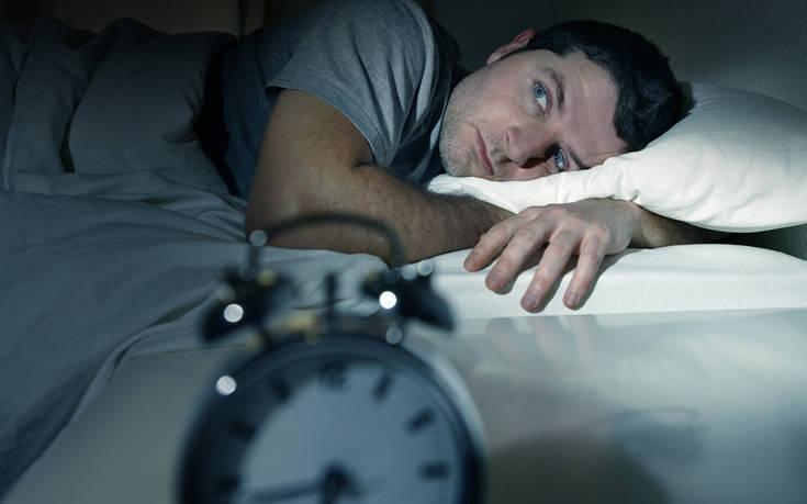 Πόσες ώρες ύπνου κρύβουν κινδύνους για την ψυχική και σωματική υγεία