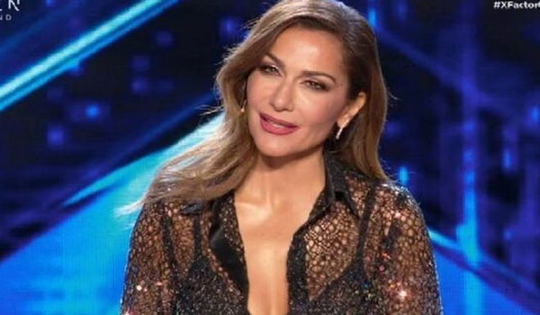 Δέσποινα Βανδή: Εντυπωσιακή και σέξι στην πρεμιέρα του X- Factor