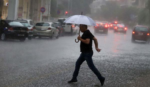 Πρώτη Ιουνίου με κακοκαιρία: Συννεφιά και βροχές