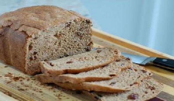 Το παράξενο μυστικό της γιαγιάς για να καθαρίζεις λεκέδες και βρωμιά με ψωμί