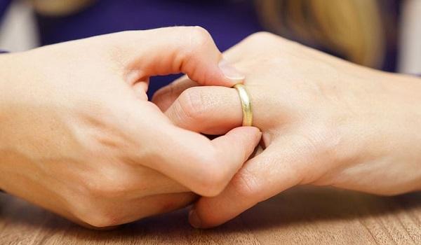 Πρησμένα δάχτυλα χεριών: 10 πιθανές αιτίες - Πότε να ανησυχήσετε