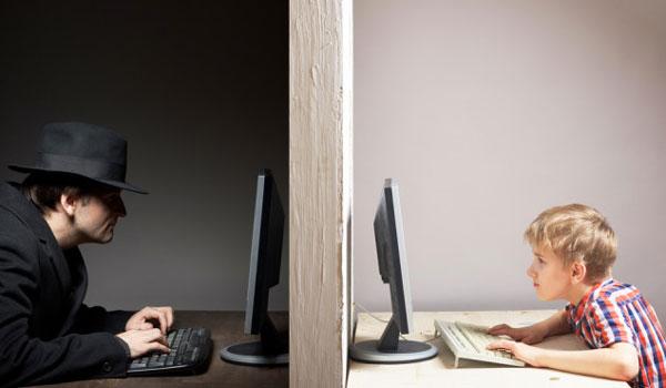 Ασφάλεια των παιδιών στο Διαδίκτυο: Τι πρέπει να προσέχουν οι γονείς – Ποιες οι παγίδες