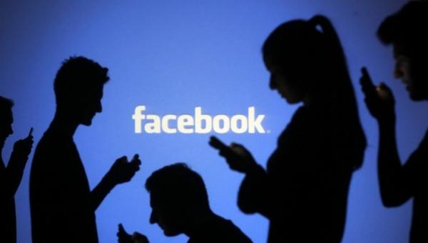 Αποτέλεσμα εικόνας για H ψεύτικη ζωή μας στο Facebook