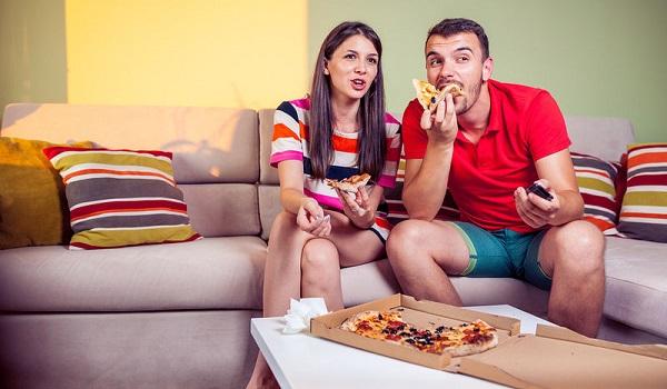 Εσείς πότε τρώτε; Οι ώρες φαγητού που παχαίνουν λιγότερο