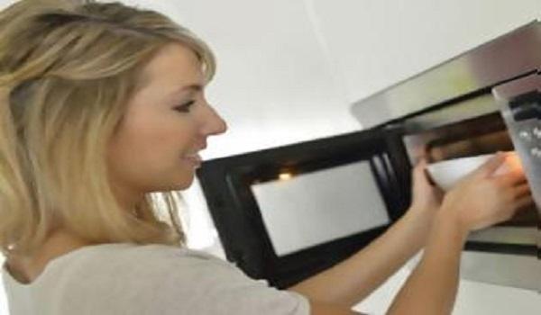 Πέντε άγνωστοι κίνδυνοι από τον φούρνο μικροκυμάτων