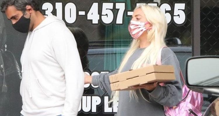 Lady Gaga: Nέα αποκαλυπτική εμφάνιση - Τι ξέχασε να φορέσει!