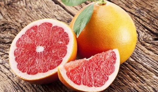 Το φρούτο που φέρνει τα πάνω κάτω σε όσους παίρνουν φάρμακα
