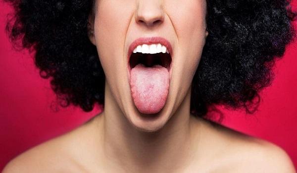 Τι μπορεί να είναι τα κόκκινα σημάδια στη γλώσσα. Όλες οι πιθανές ασθένειες