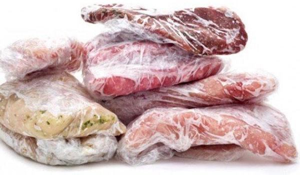 Πώς να ξεπαγώσετε κρέας και κιμά σε μόλις 15 λεπτά!