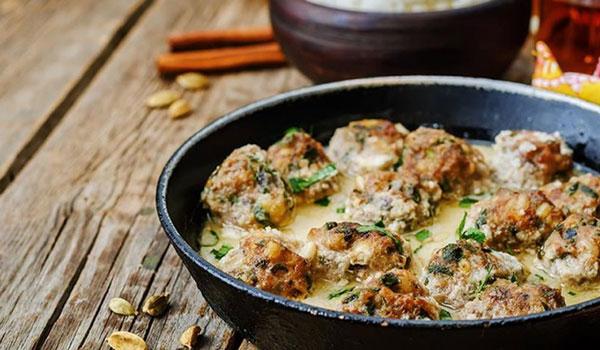 Η συνταγή της ημέρας: Κεφτεδάκια με λεμόνι και σάλτσα