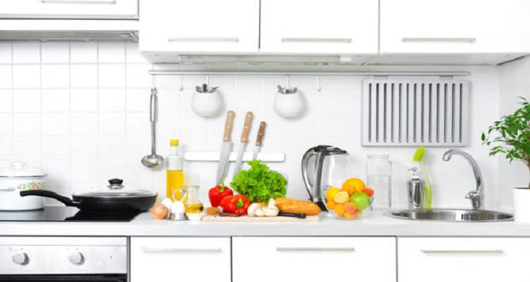 Εστίες κουζίνας: Πώς να τις κάνετε να λάμπουν σε δευτερόλεπτα