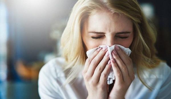 Αλλεργία ή κρυολόγημα: Τι από τα δύο έχετε βάση του πίνακα συμπτωμάτων