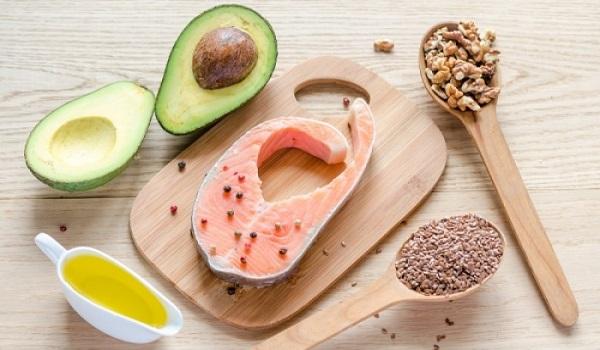 Σημάδια ότι πρέπει να τρώτε περισσότερα λιπαρά