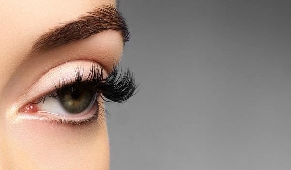 Τι σημαίνουν οι φακίδες μέσα στα μάτια
