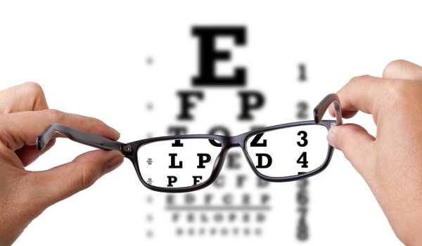ΕΟΠΥΥ: Τι αλλάζει στη διαδικασία για τα γυαλιά μυωπίας
