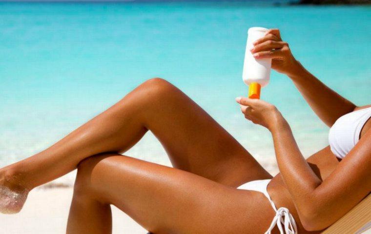 Έξι δοκιμασμένοι τρόποι για γρήγορο μαύρισμα στην παραλία