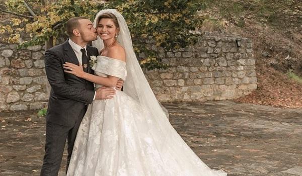 Μαρία Μενούνος: Αποκάλυψε για ποιο λόγο άργησε μιάμιση ώρα να πάει στον γάμο της