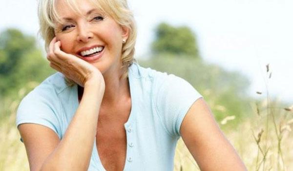 Πατήσατε τα 50; Τι πρέπει να προσθέσετε άμεσα στη διατροφή σας