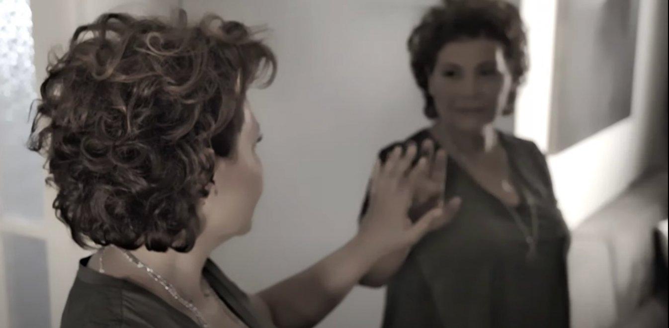 Γιώτα Νέγκα: Το νέο βιντεοκλίπ για την κακοποίηση πίσω από τις κλειστές πόρτες