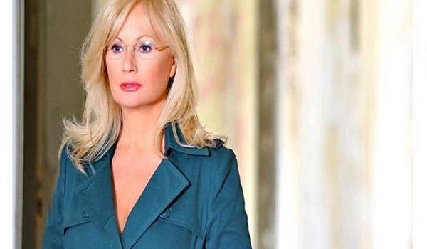 H ανάρτηση της Αγγελικής Νικολούλη για τη δολοφονία της Καρολάιν