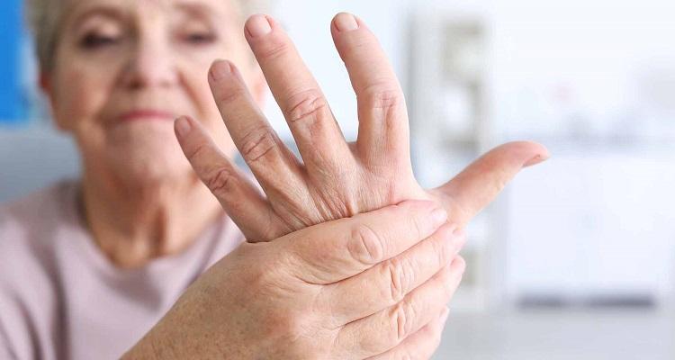 Η νόσος που απειλεί 1 στους 3 μετά τα 50 - Ενημερωθείτε
