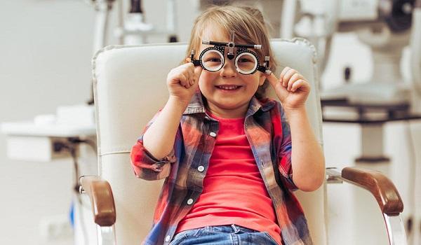Ποιες οφθαλμολογικές εξετάσεις πρέπει να κάνουν τα παιδιά έως 5 ετών
