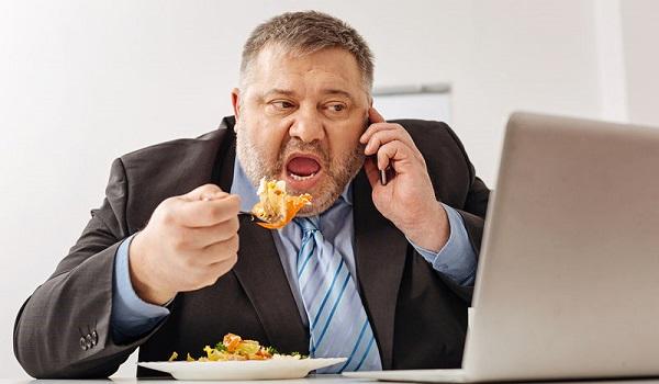 Οι 14 λόγοι που αισθάνεστε συνεχώς πεινασμένοι