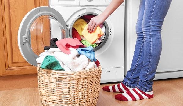 Πώς να φτιάξεις μόνη σου χρωμοπαγίδες για το πλυντήριο!
