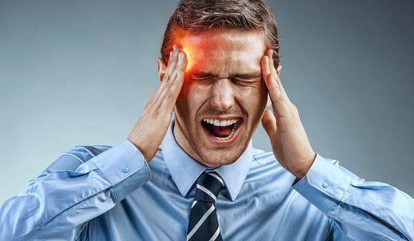 Πονοκέφαλος, σπασμοί, αδυναμία, κενά μνήμης: Πότε δείχνουν καρκίνο στο κεφάλι