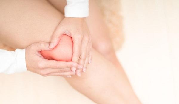 Πόνος στο γόνατο: Πότε δείχνει τενοντίτιδα, ρήξη μηνίσκου, αρθρίτιδα