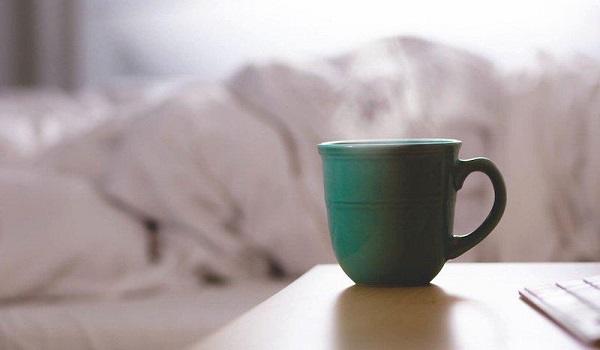 Οι 5 κακές πρωινές συνήθειες που προσθέτουν κιλά