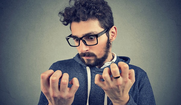Ιδεοψυχαναγκαστική διαταραχή: Πώς εκδηλώνεται, ποιοι κινδυνεύουν περισσότερο