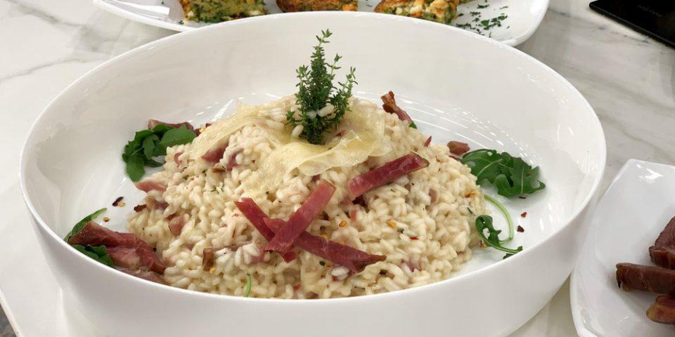 Η συνταγή της ημέρας: Ριζότο με γραβιέρα και σύγλινο Μάνης