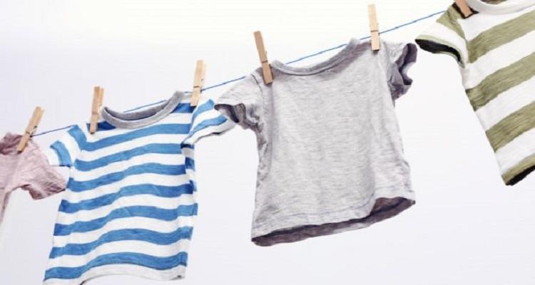 Ο εύκολος τρόπος για να επαναφέρετε τα ρούχα που μπήκαν στο πλύσιμο