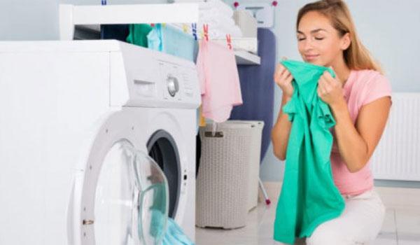 Πώς να μυρίζουν ωραία τα ρούχα χωρίς μαλακτικό