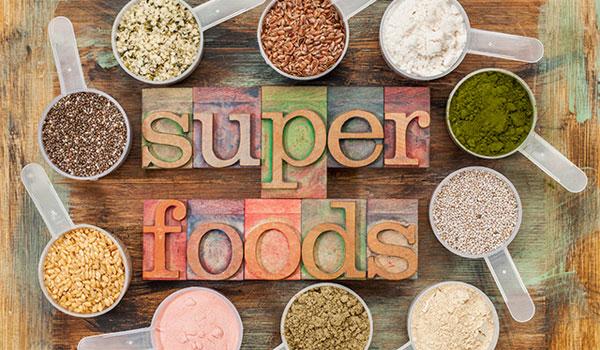 Κεφάλαιο superfoods: Ποια από αυτά είναι super τελικά;