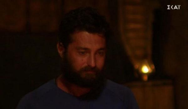 Survivor: Με δάκρυα στα μάτια αποχώρησε ο Τόνι Σταυράτης