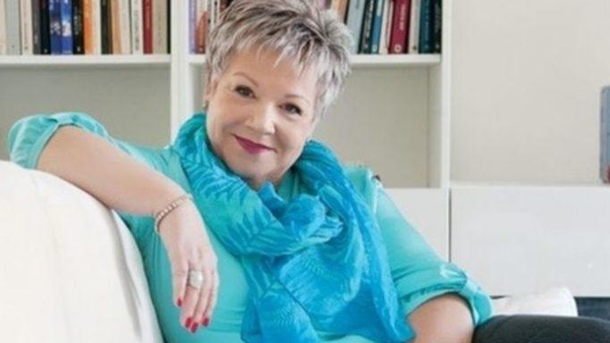 Η Τένια Μακρή μιλάει για τη μάχη με τον καρκίνο και την απώλεια του συζύγου της