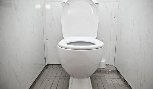 Εύκολος τρόπος για να αφαιρέσετε την κιτρινίλα από την λεκάνη της τουαλέτας
