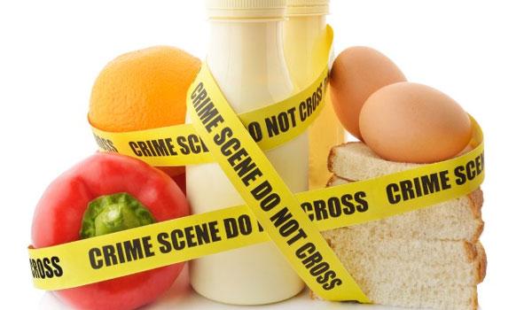 Δηλητηρίαση: Προσοχή στις 5 πιο επικίνδυνες καλοκαιρινές τροφές